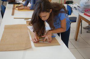 02.05 Escolas_trabalho-vagas_Costura